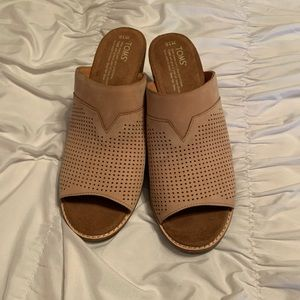 Brand new Toms heeled mules!